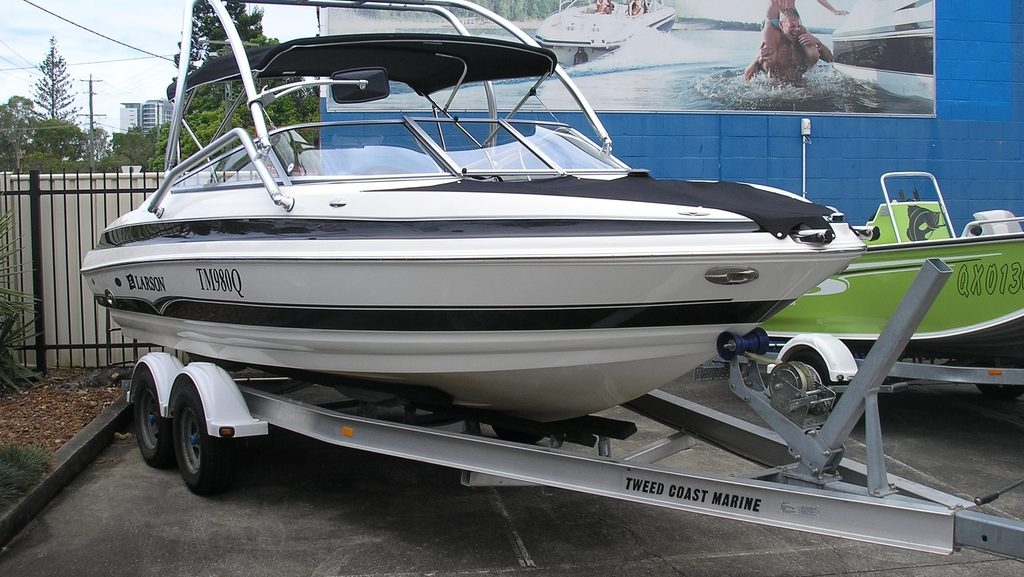 Buying A Used Boat Private Sellers Versus Recognized Dealers The Boat Guide